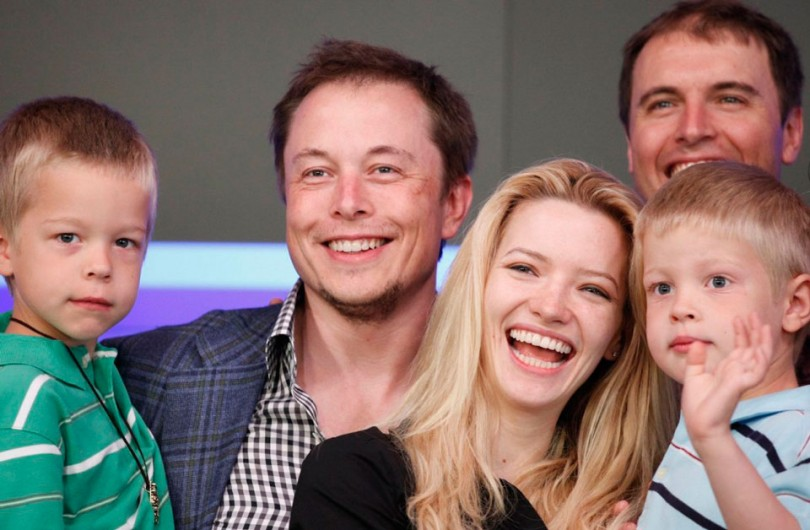 Elon e Justine Musk com seus filhos